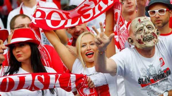 hot-euro-2016-female-fans (18)