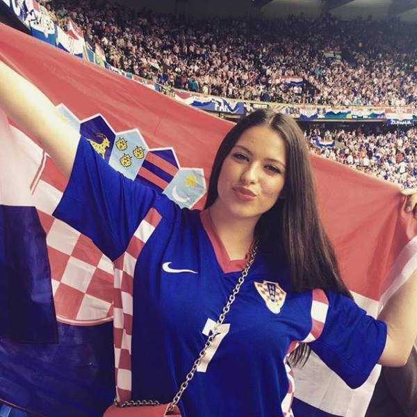 hot-euro-2016-female-fans (2)