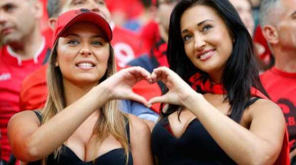 hot-euro-2016-female-fans (26)