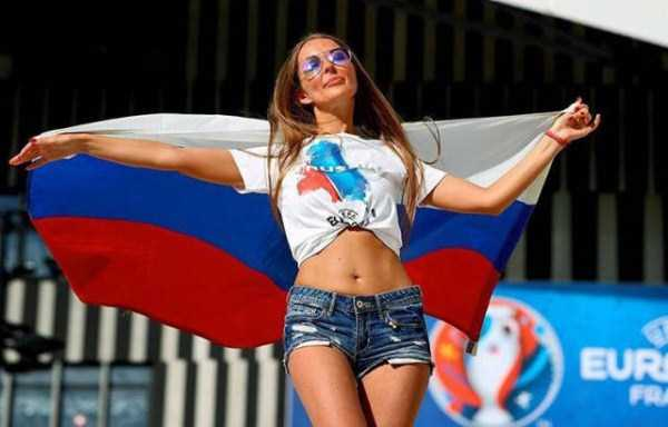 hot-euro-2016-female-fans (33)