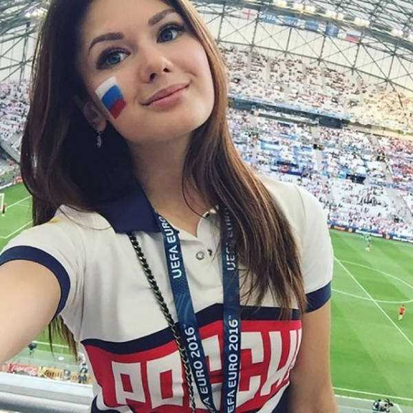 hot-euro-2016-female-fans (35)