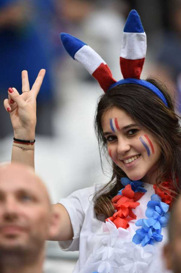 hot-euro-2016-female-fans (38)