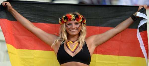hot-euro-2016-female-fans (39)