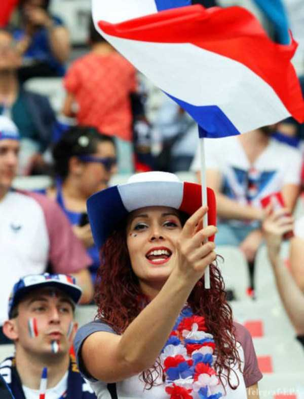 hot-euro-2016-female-fans (4)
