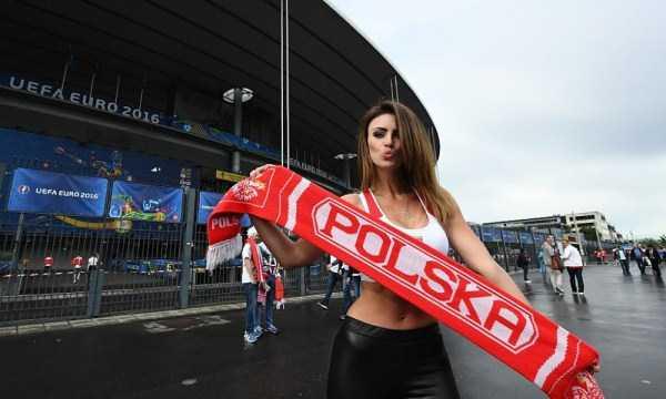 hot-euro-2016-female-fans (43)