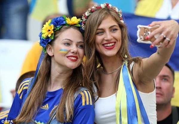 hot-euro-2016-female-fans (45)