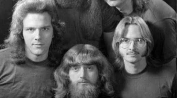 men-haircuts-1970s-(17)