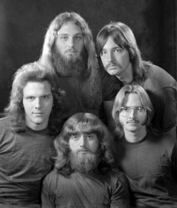 men-haircuts-1970s (3)
