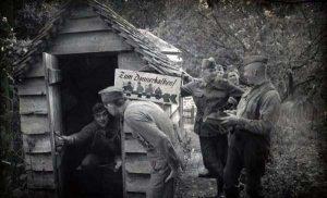 nazis-taking-dump (4)