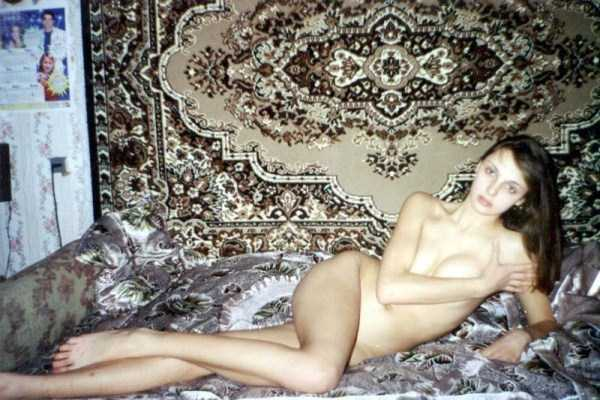 russian-girls-love-rugs (13)