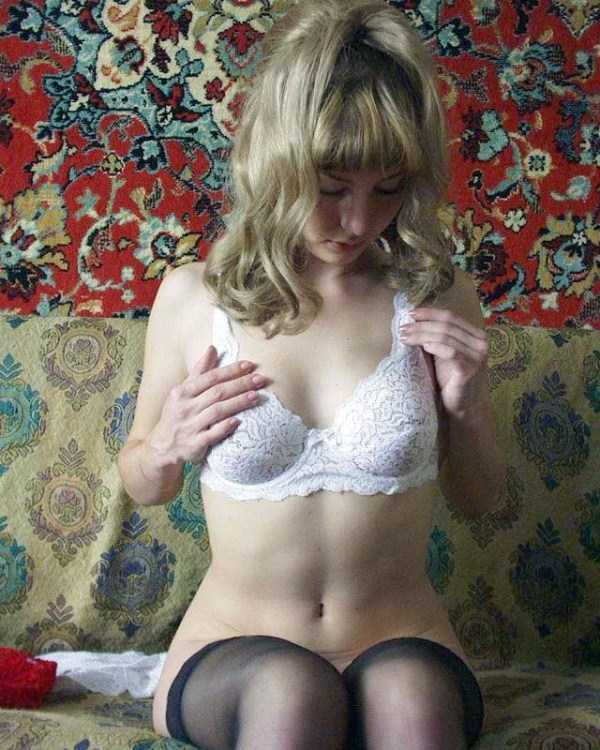 russian-girls-love-rugs (19)