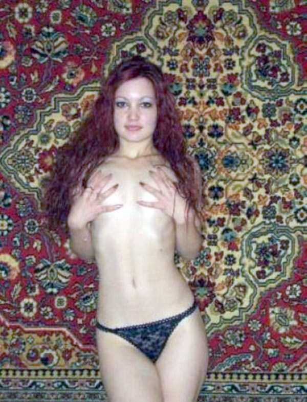 russian-girls-love-rugs (20)
