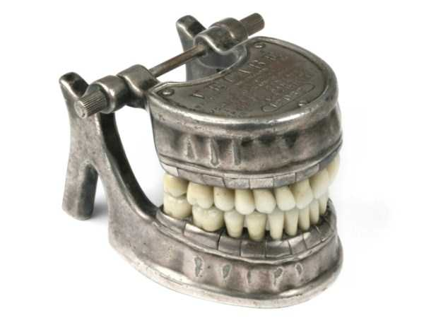 dental-equipment-from-the-past (7)