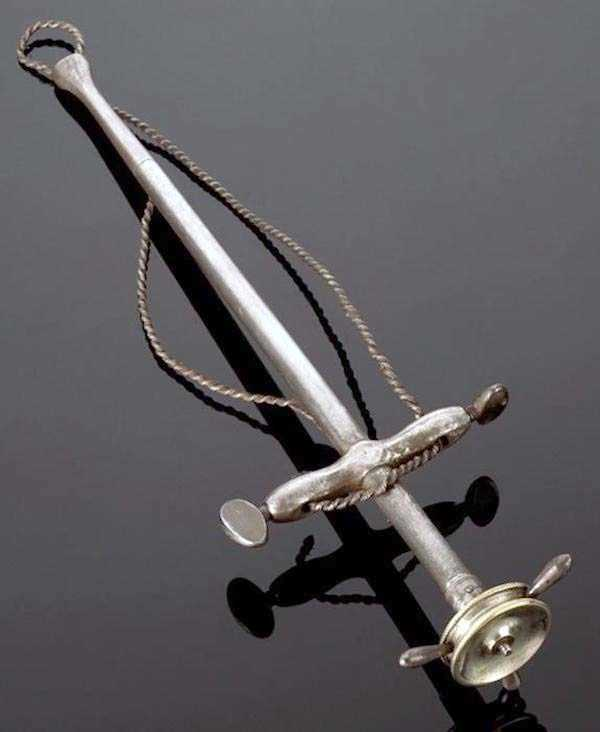 dental-equipment-from-the-past (8)
