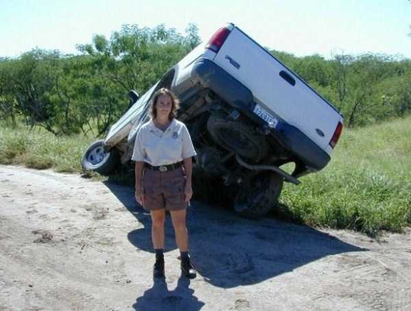 female-drivers-fails (22)