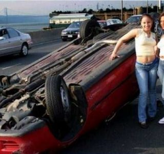 Women Behind the Wheel (25 photos)