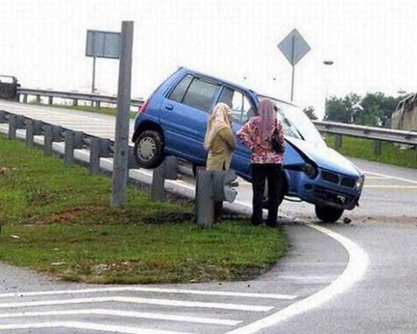 female-drivers-fails (9)
