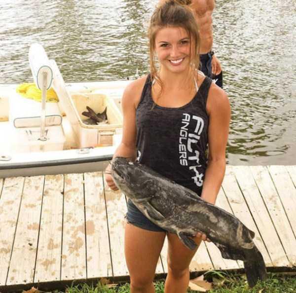 girl-noodling-huge-catfish (3)