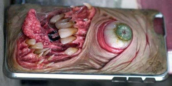 horror-smartphone-cases-(21)