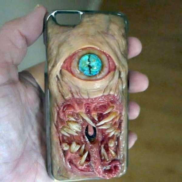 horror-smartphone-cases (3)