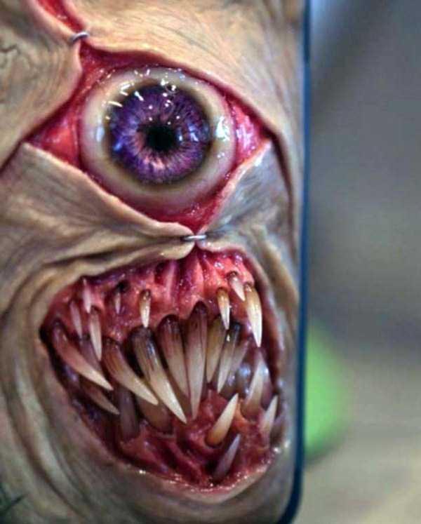 horror-smartphone-cases (7)