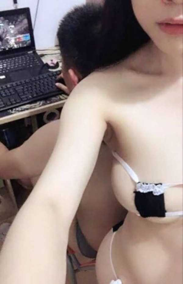 hot-gamers-girlfriend (4)