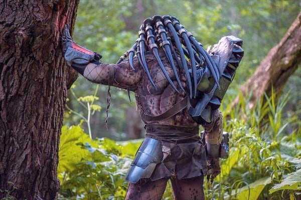 predator-costume (4)