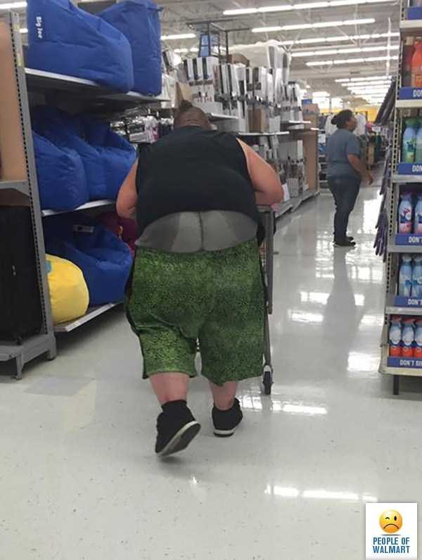 weird-people-of-walmart (27)