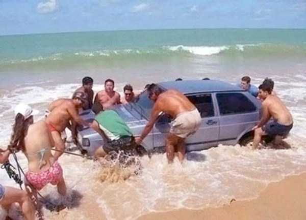 Funny-Beach-Photos (24)