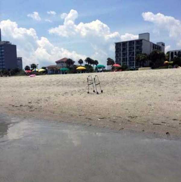 Funny-Beach-Photos (34)
