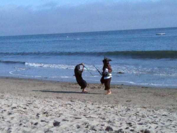 Funny-Beach-Photos (4)