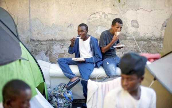 african-migrants-in-rome (20)
