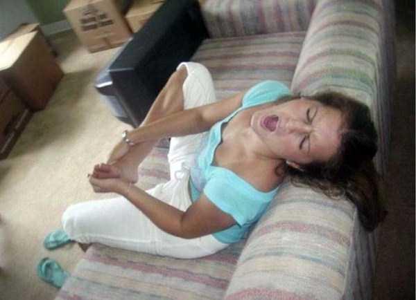 girls-hitting-toes (18)