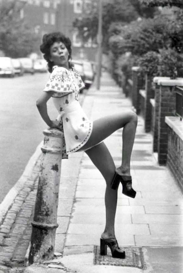 sexy-girls-70s (15)