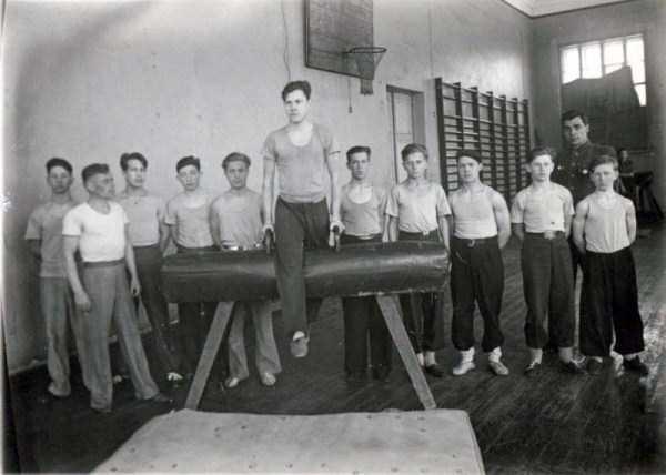 soviet-gymnasts-after-world-war-ii (1)