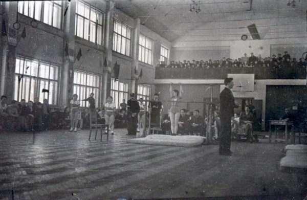 soviet-gymnasts-after-world-war-ii (11)