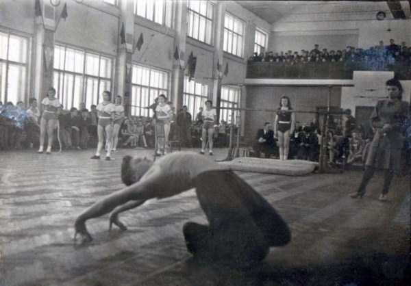 soviet-gymnasts-after-world-war-ii (12)
