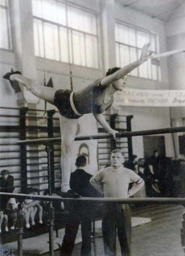 soviet-gymnasts-after-world-war-ii (13)