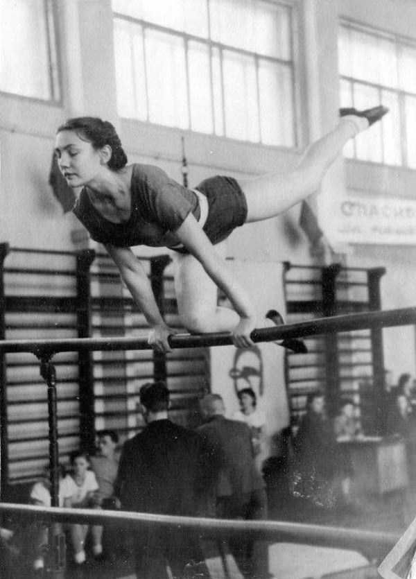 soviet-gymnasts-after-world-war-ii (14)