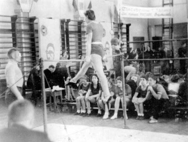 soviet-gymnasts-after-world-war-ii (15)