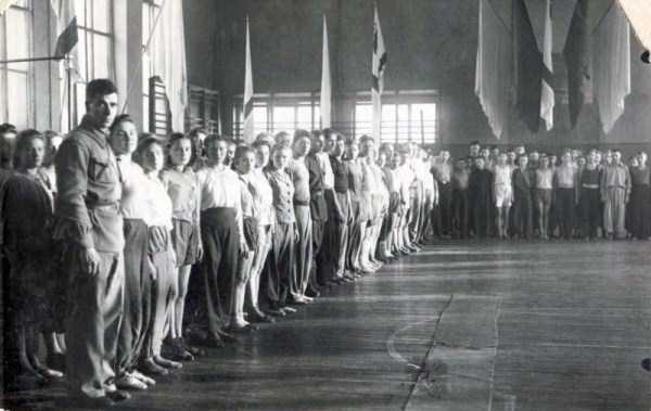 soviet-gymnasts-after-world-war-ii (16)
