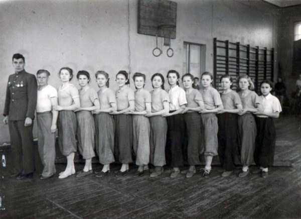 soviet-gymnasts-after-world-war-ii (2)