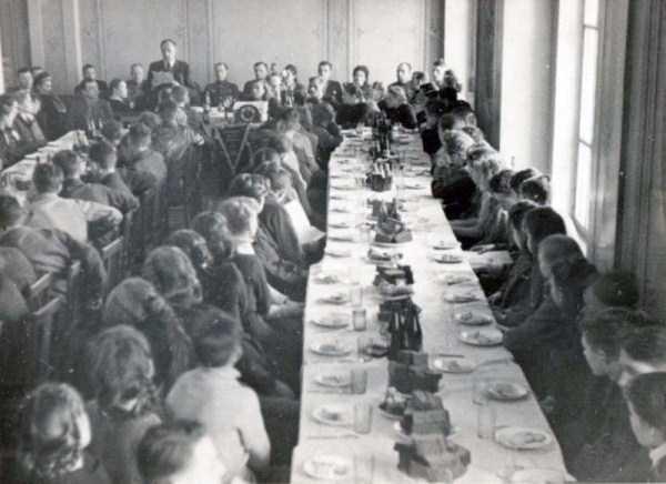 soviet-gymnasts-after-world-war-ii (20)