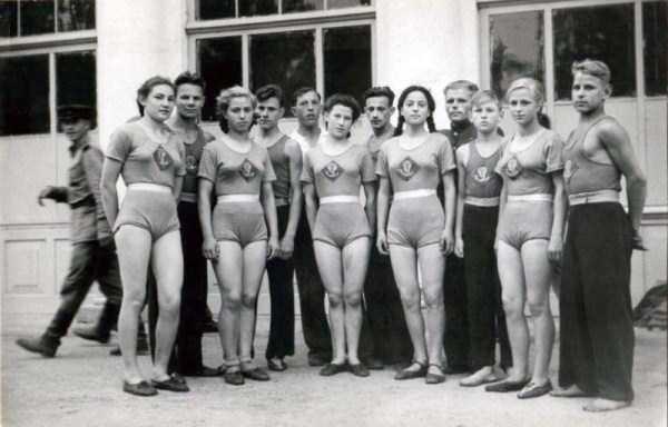 soviet-gymnasts-after-world-war-ii (3)