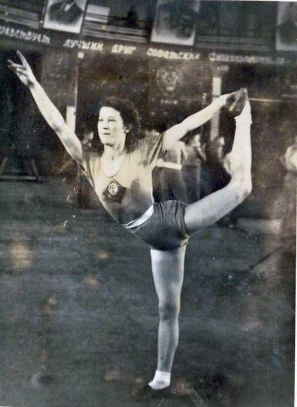 soviet-gymnasts-after-world-war-ii (7)