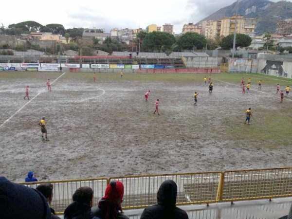 unusual-soccer-fields (15)