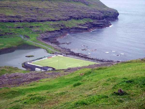 unusual-soccer-fields (3)
