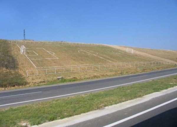 unusual-soccer-fields (4)