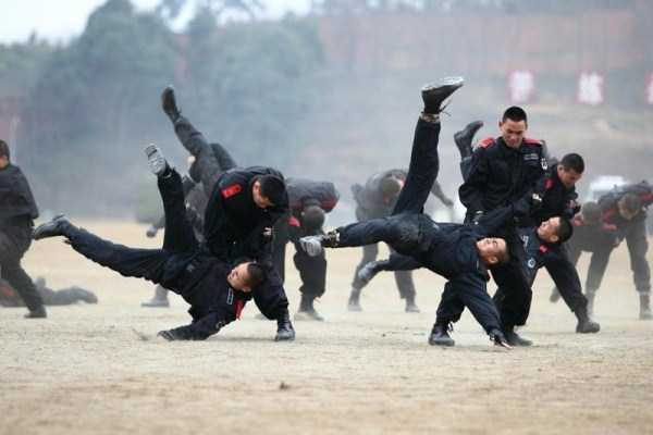 chinese-soldiers-training-1