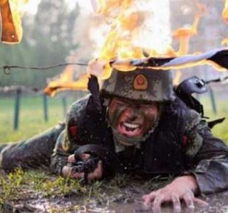 Crazy and Brutal Chinese Military Training (30 photos)